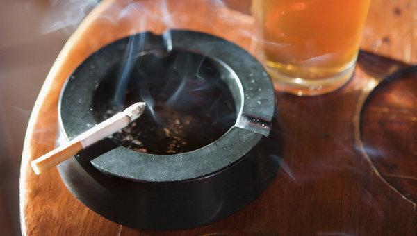 Ученые женщины начинают курить после родов из-за стресса